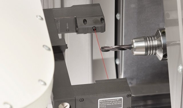 Laser measurement system for milling tools