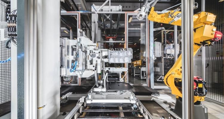 GROB vollautomatische Montagestationen