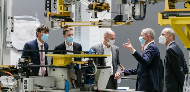 GROB delegation visits GROB plant in Italy