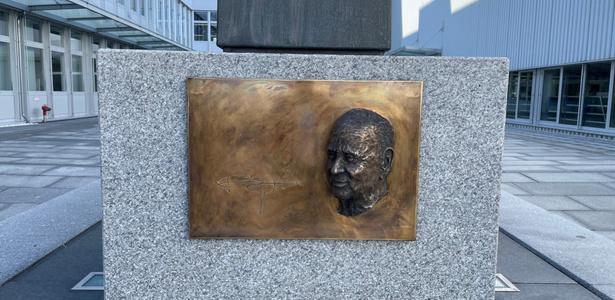 Gedenktafel Burkhart Grob