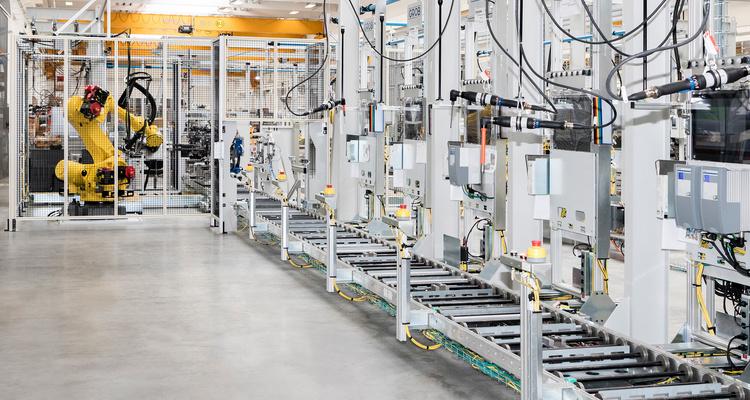 GROB halbautomatische Montagestationen